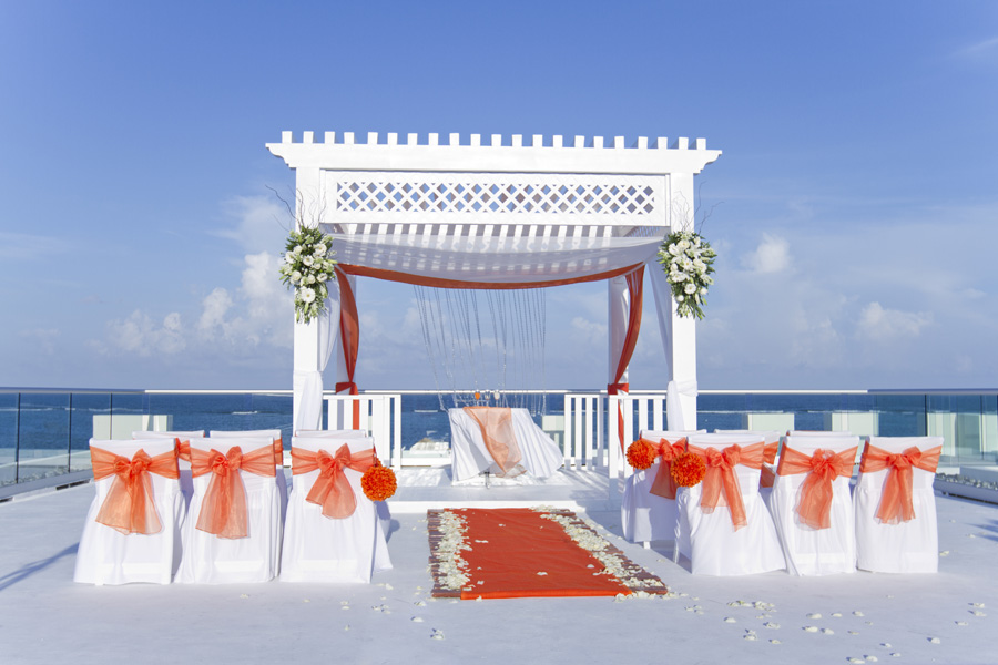 The_best_places_For_Your_Destination_Wedding_or_Honeymoon_Azul_Beach_Sky Wedding_B