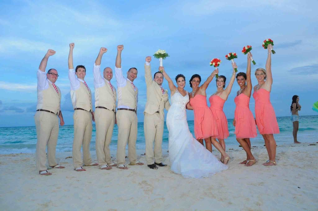 bridal_party_beach_fun
